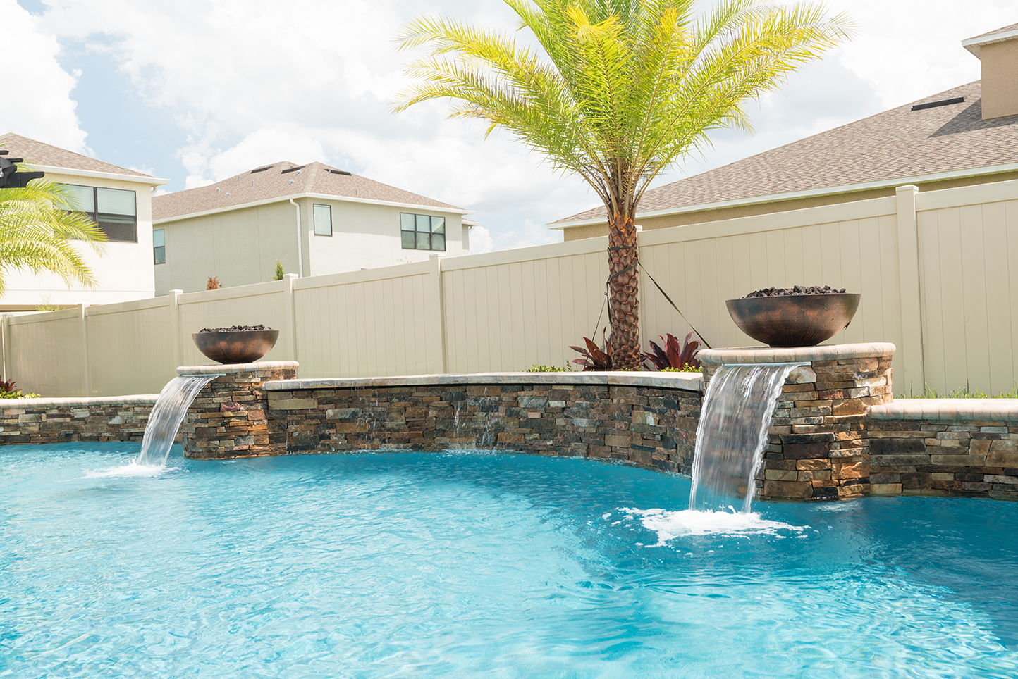How many gallons of water to fill an inground pool round - Swimming pool evaporation control ...